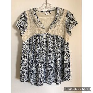 Anthropologie lace back top size m